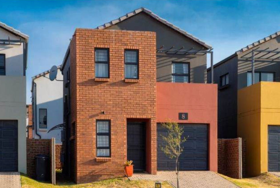 3 Bed Townhouse in South Hills